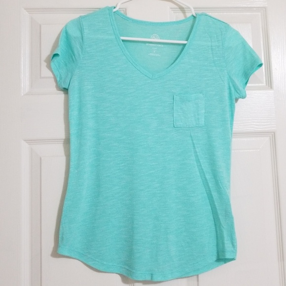 3213c1a36 SO Tops | Perfect V Neck Tee | Poshmark